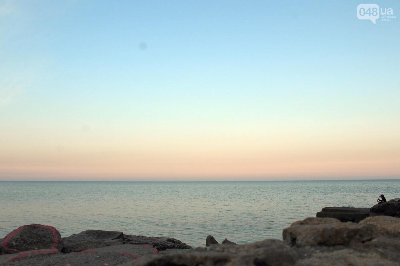 Апрель, Одесса, пляж: закат раскрасил море лазурными красками,- ФОТОПЯТНИЦА, фото-6