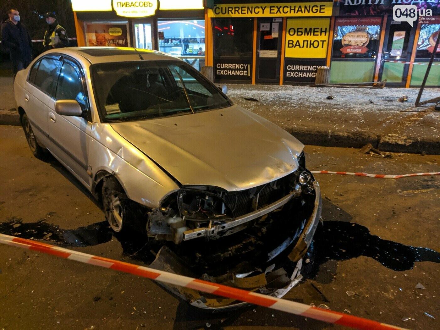 В Одессе передали в суд обвинение водителя, который въехал в остановку и травмировал людей,- ФОТО, фото-1