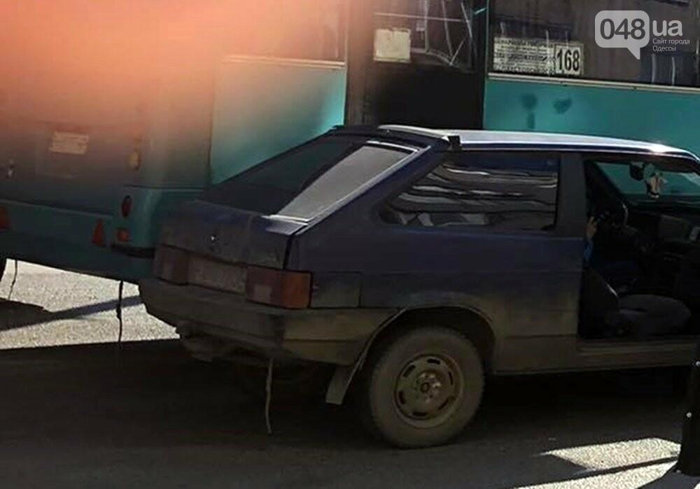 В Одессе маршрутка попала в ДТП, когда объезжала другую аварию, - ФОТО  , фото-6