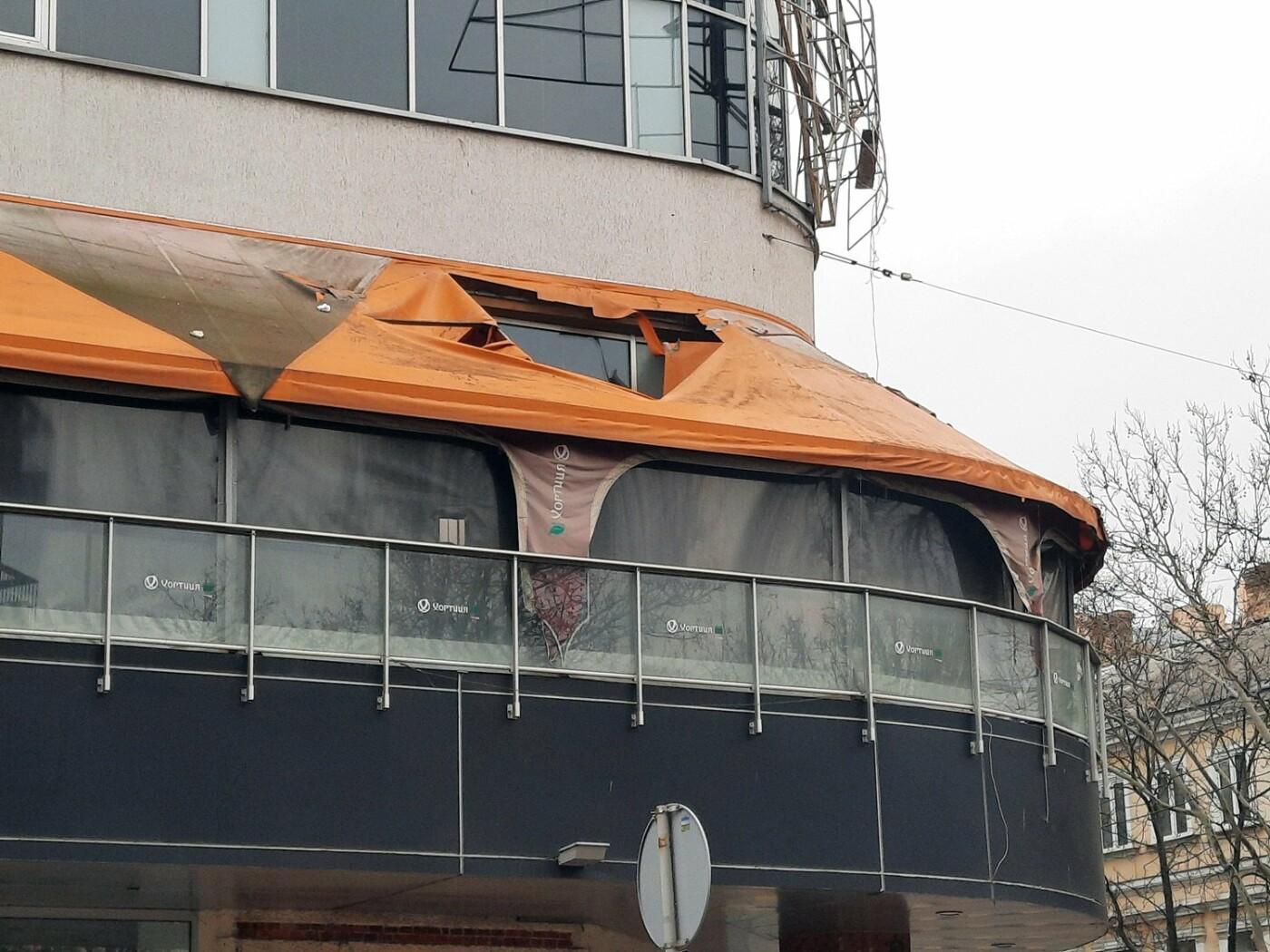 В Одессе на Дерибасовской ликвидируют последствия обвала фасада, - ФОТО, ВИДЕО , фото-15