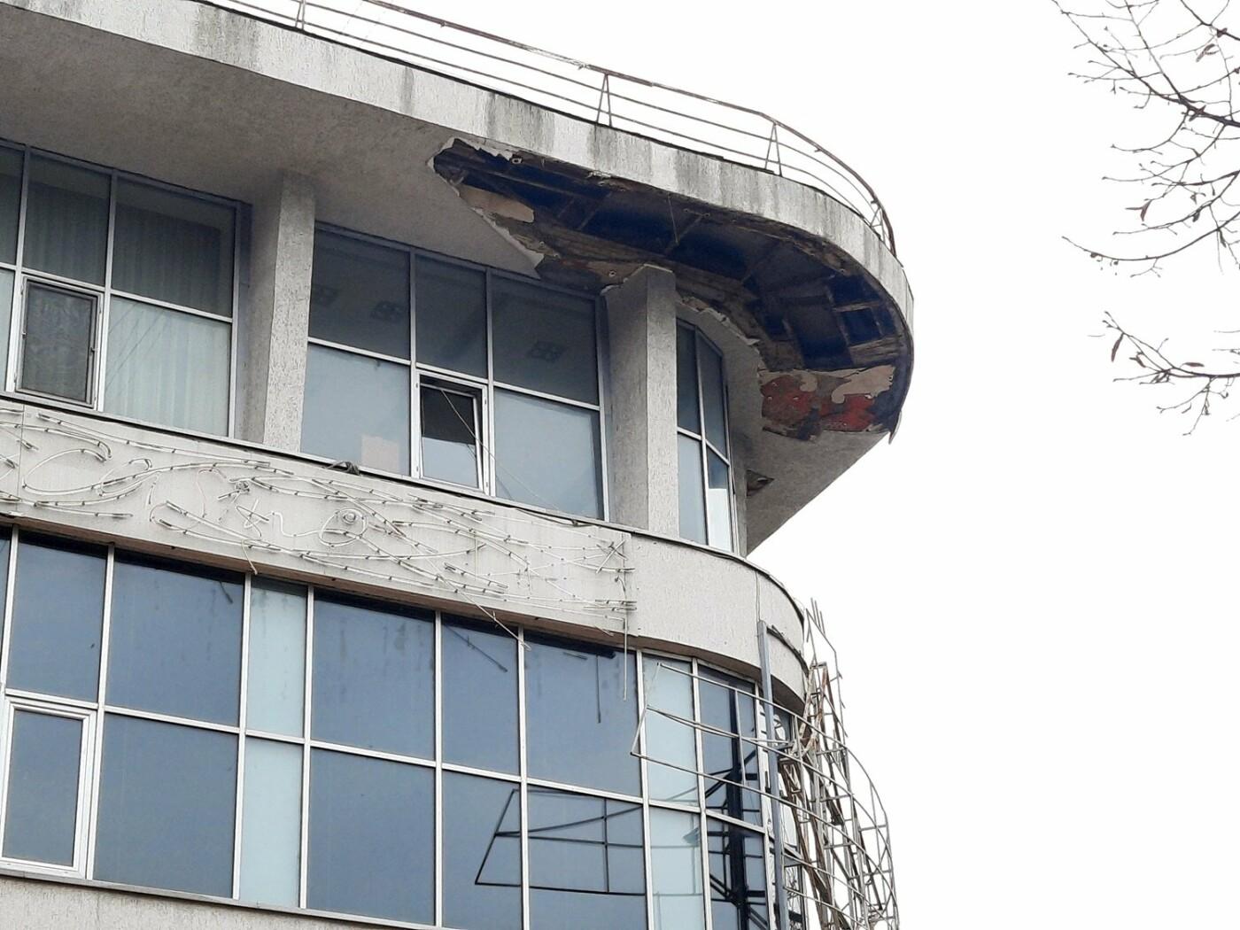 В Одессе на Дерибасовской ликвидируют последствия обвала фасада, - ФОТО, ВИДЕО , фото-14