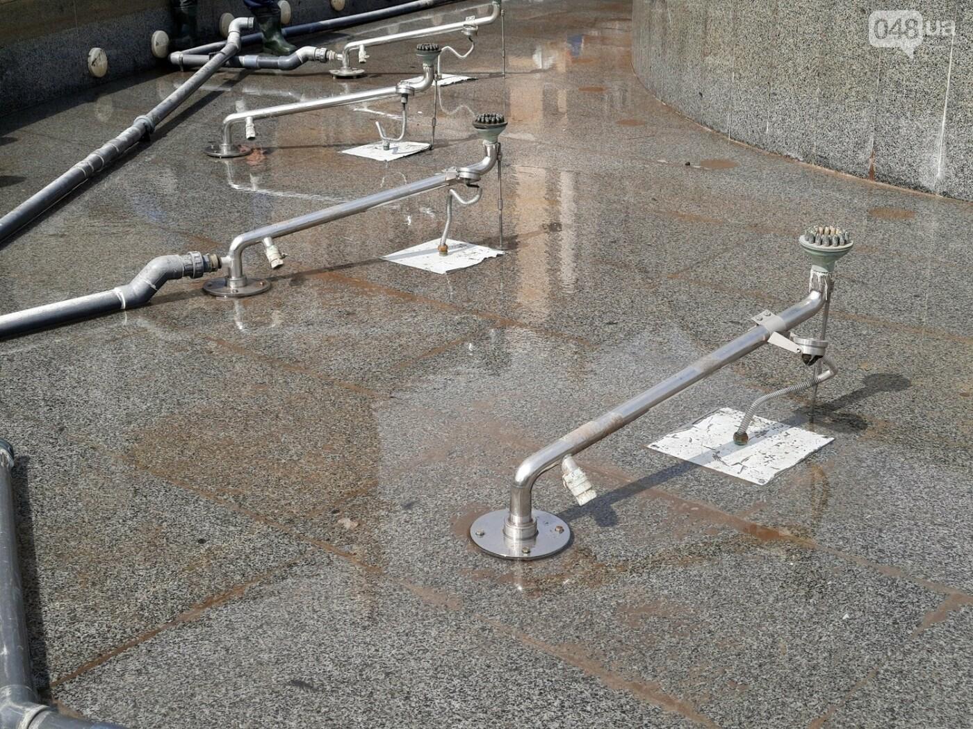 Вандалы сломали главный фонтан Одессы, - ФОТО, фото-11