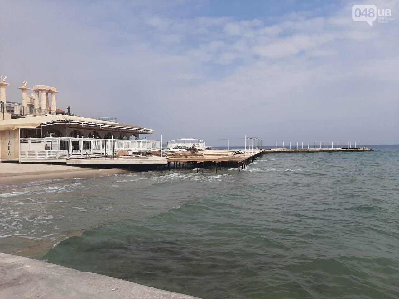В Одессе с побережья убирают незаконные помосты, - ФОТО, СТРИМ, фото-4