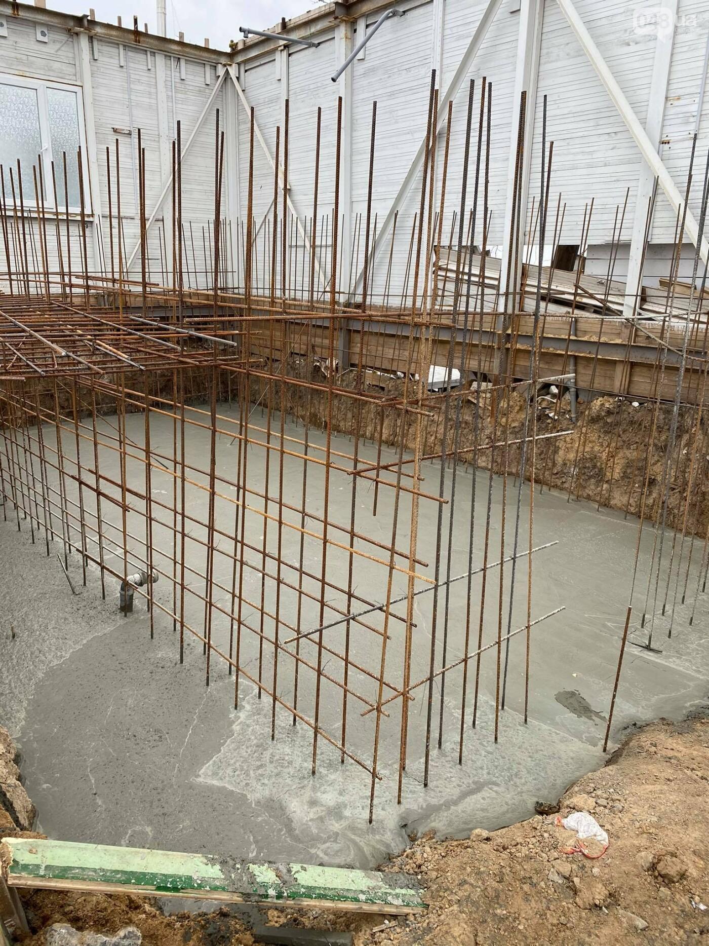 В Одессе в Аркадии на пляже строят новое кафе,- ФОТО, ВИДЕО, фото-2