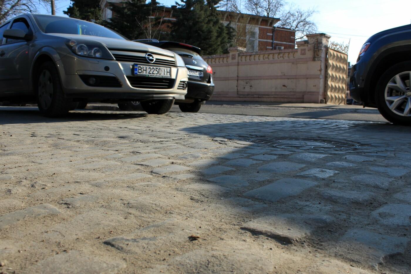 На Французском бульваре перестилают брусчатку: автомобили едут по рельсам, - ФОТО, ВИДЕО , фото-9
