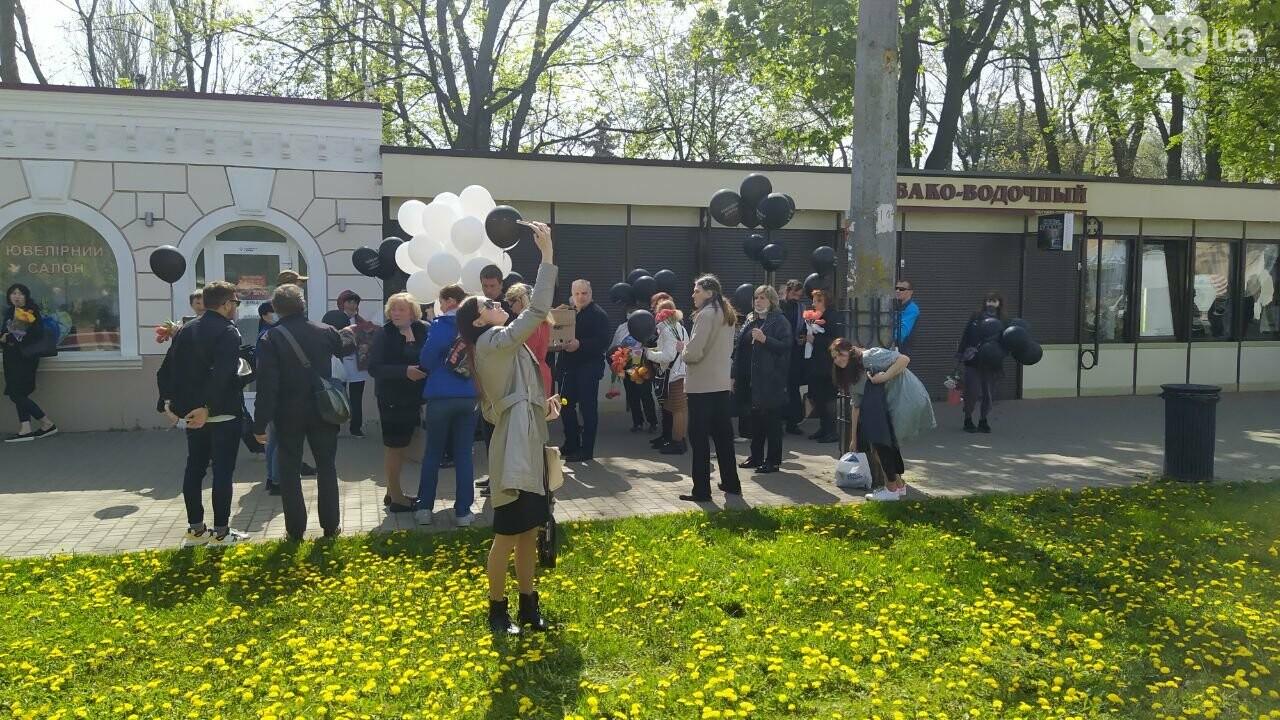 2 мая в Одессе:  как на Куликово поле чтили погибших в Доме профсоюзов, - ФОТО, фото-8