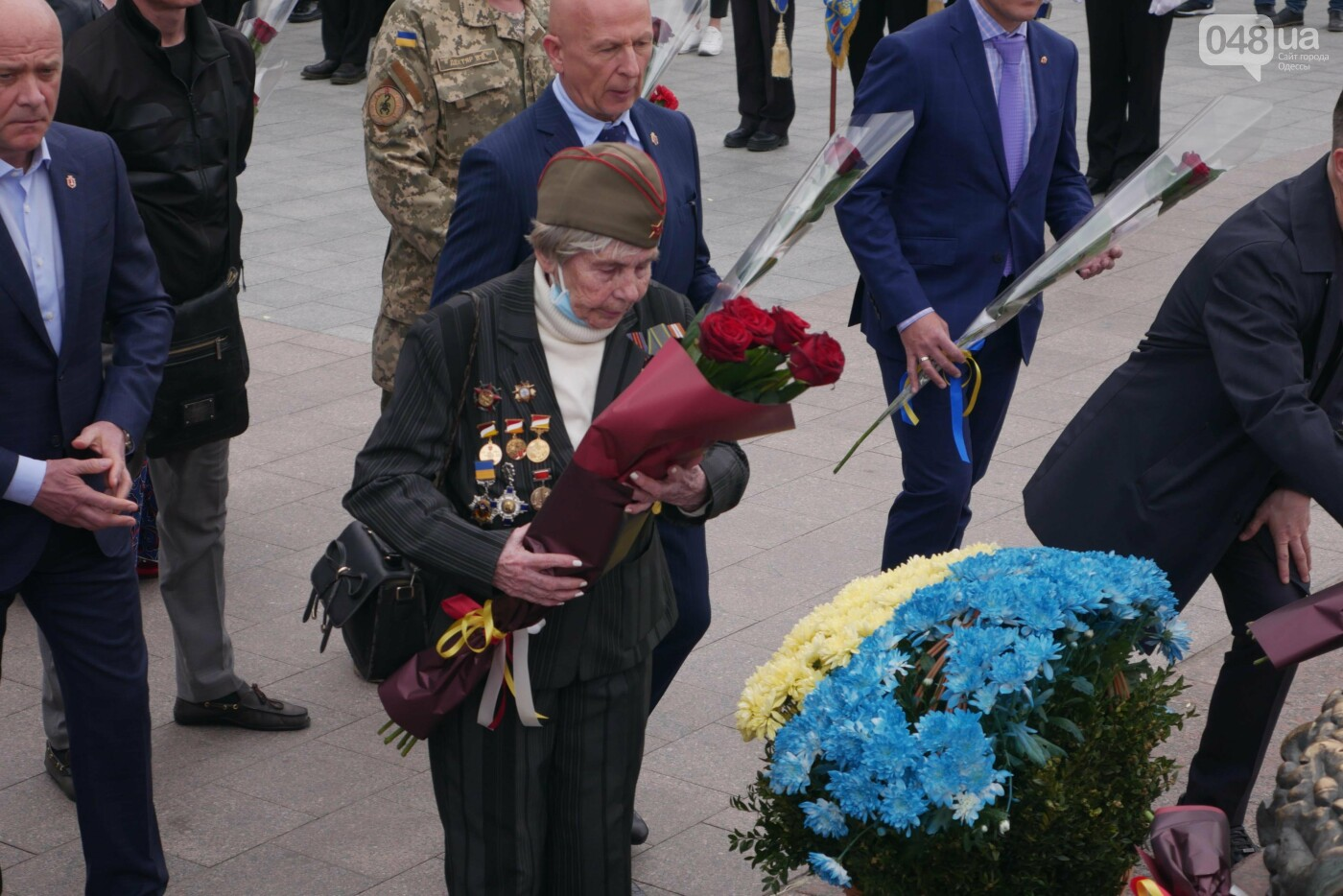 Бантики, гвоздики и маски: как школьники Одессы маршировали ко Дню Победы, - ФОТОРЕПОРТАЖ, фото-22