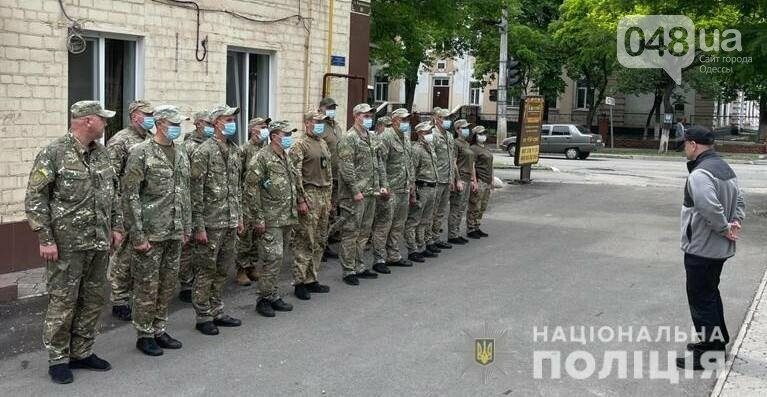 """Руководитель полиции проведал одесситов из """"Шторма"""", которые служат на блокпостах в Мариуполе,- ФОТО, фото-1"""