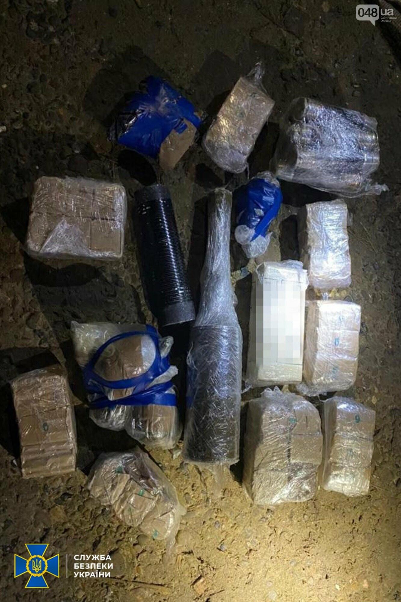 Оружие, контрабанда и нелегалы: сотрудники СБУ разоблачили международную преступную группу, - ФОТО, фото-3