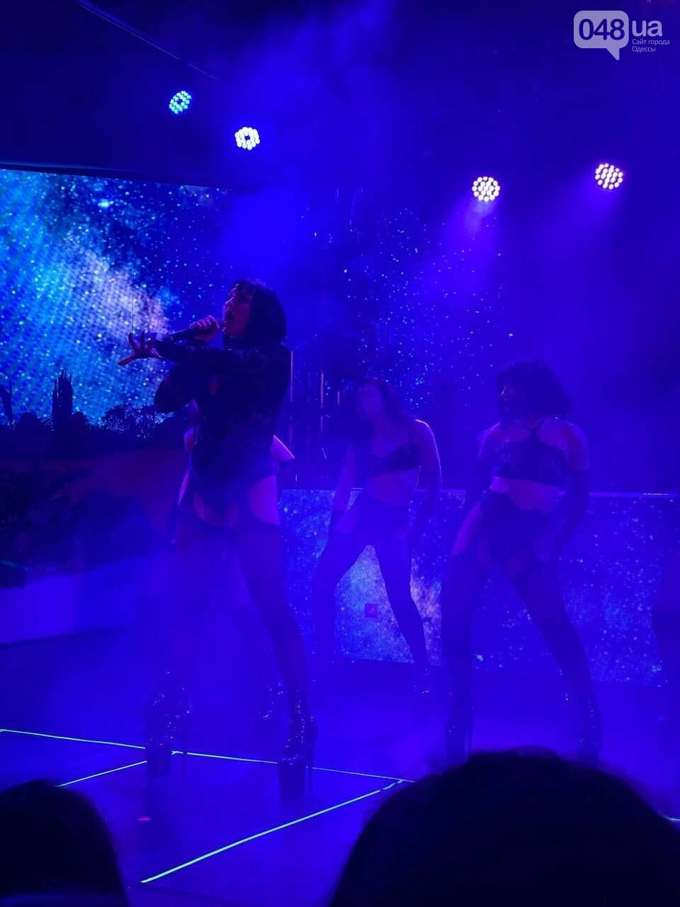 Марув в Одессе спела новый трек и полила фанатов шампанским,- ФОТО, ВИДЕО, фото-3