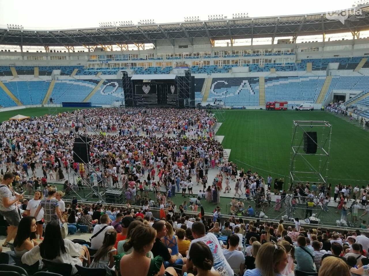 Монатик на стадионе спел все песни об Одессе, - ФОТО, ВИДЕО, фото-7