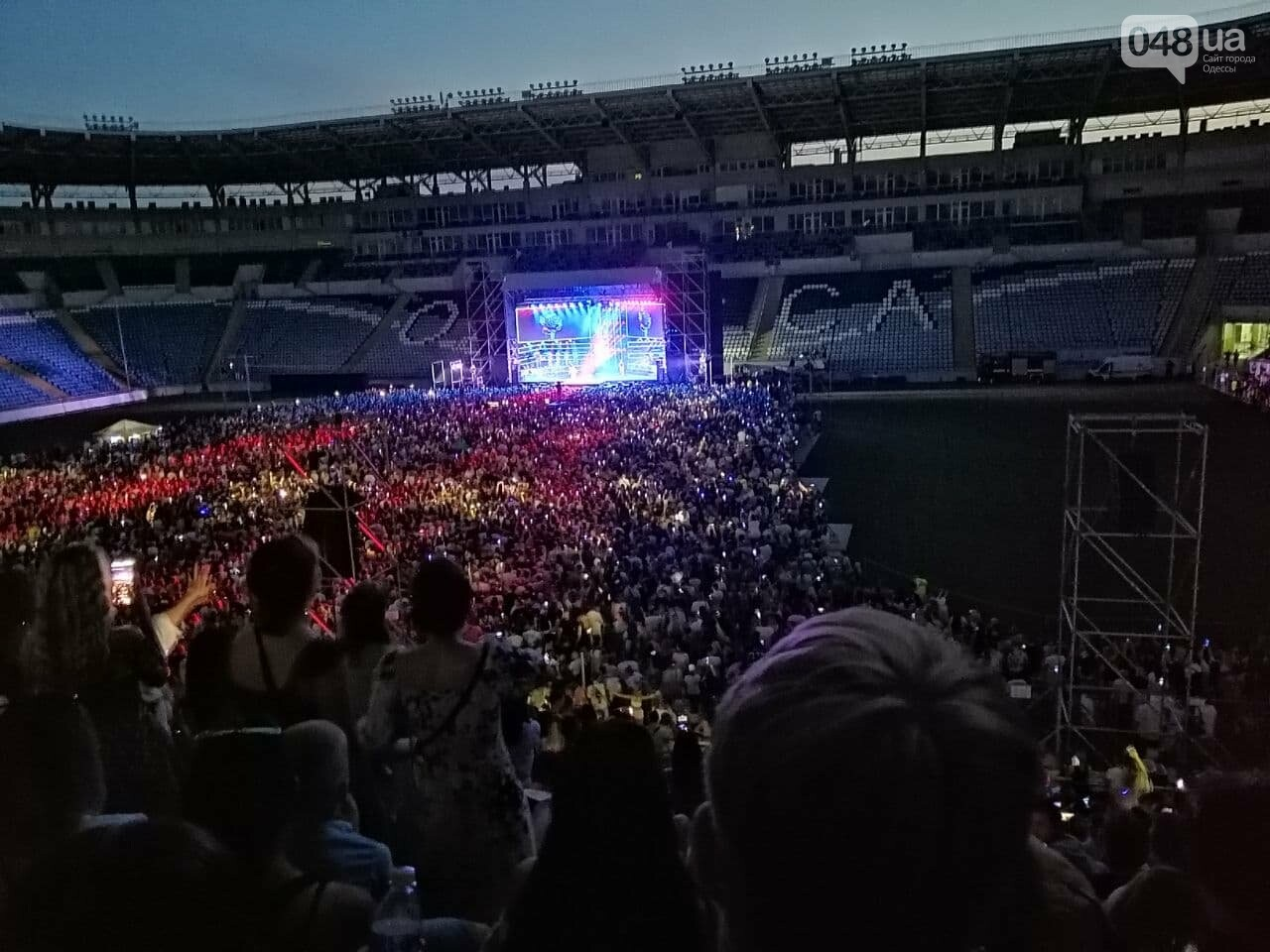 Монатик на стадионе спел все песни об Одессе, - ФОТО, ВИДЕО, фото-13