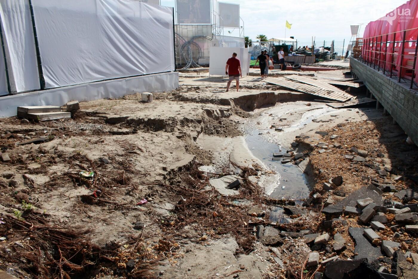 Часть одесской Аркадии буквально смыло в море, - ФОТО, ВИДЕО , фото-23