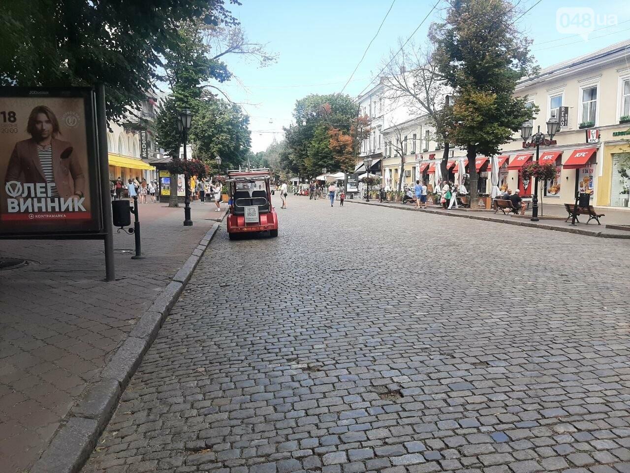 Дерибасовская после ливня в Одессе, - ФОТО, ВИДЕО, фото-17
