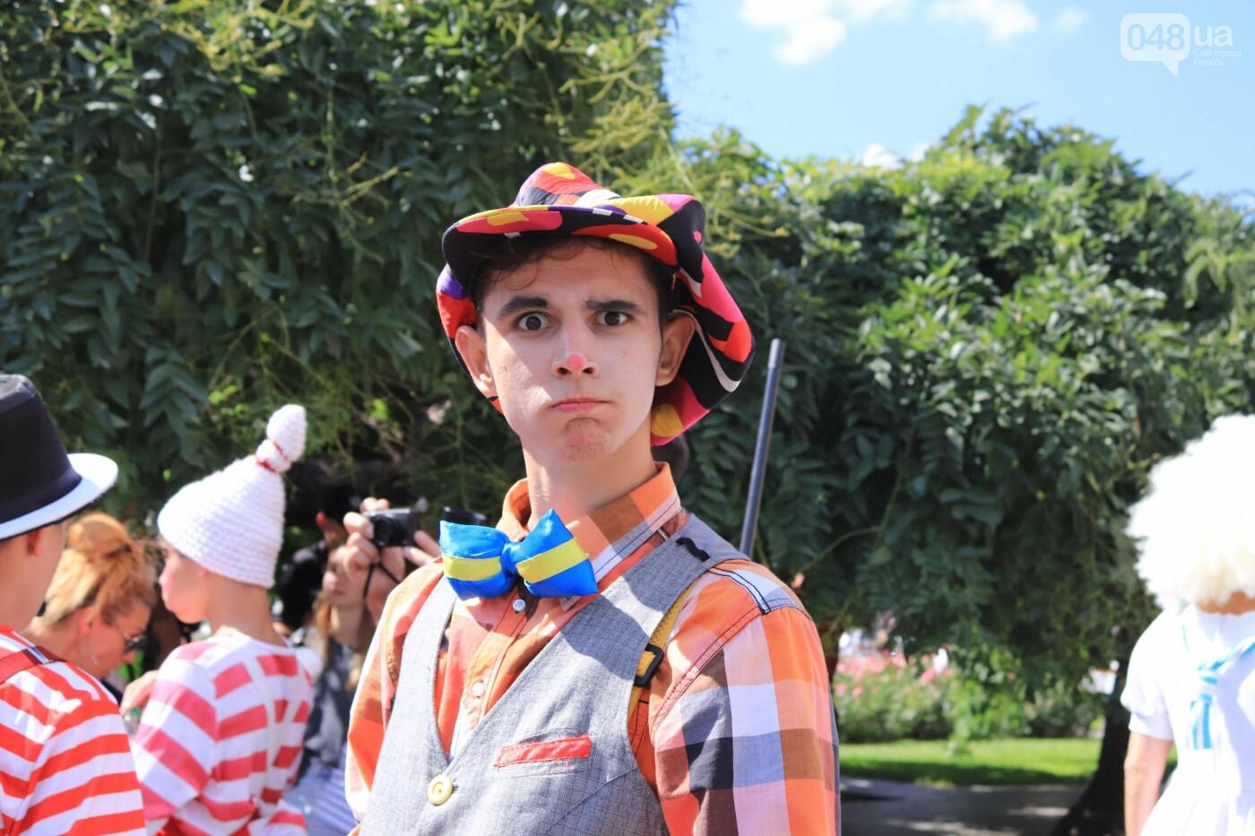 Парад клоунов в Одессе: яркая колонна шла от Дюка в Горсад, - ФОТО, ВИДЕО, СТРИМ, фото-10