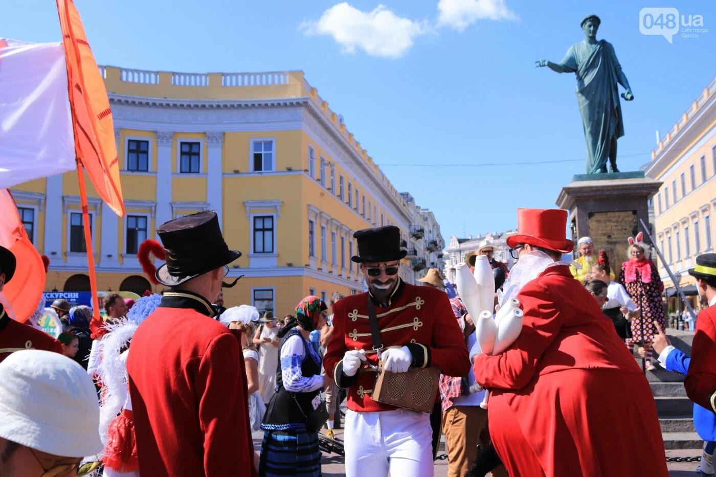 Парад клоунов в Одессе: яркая колонна шла от Дюка в Горсад, - ФОТО, ВИДЕО, СТРИМ, фото-2