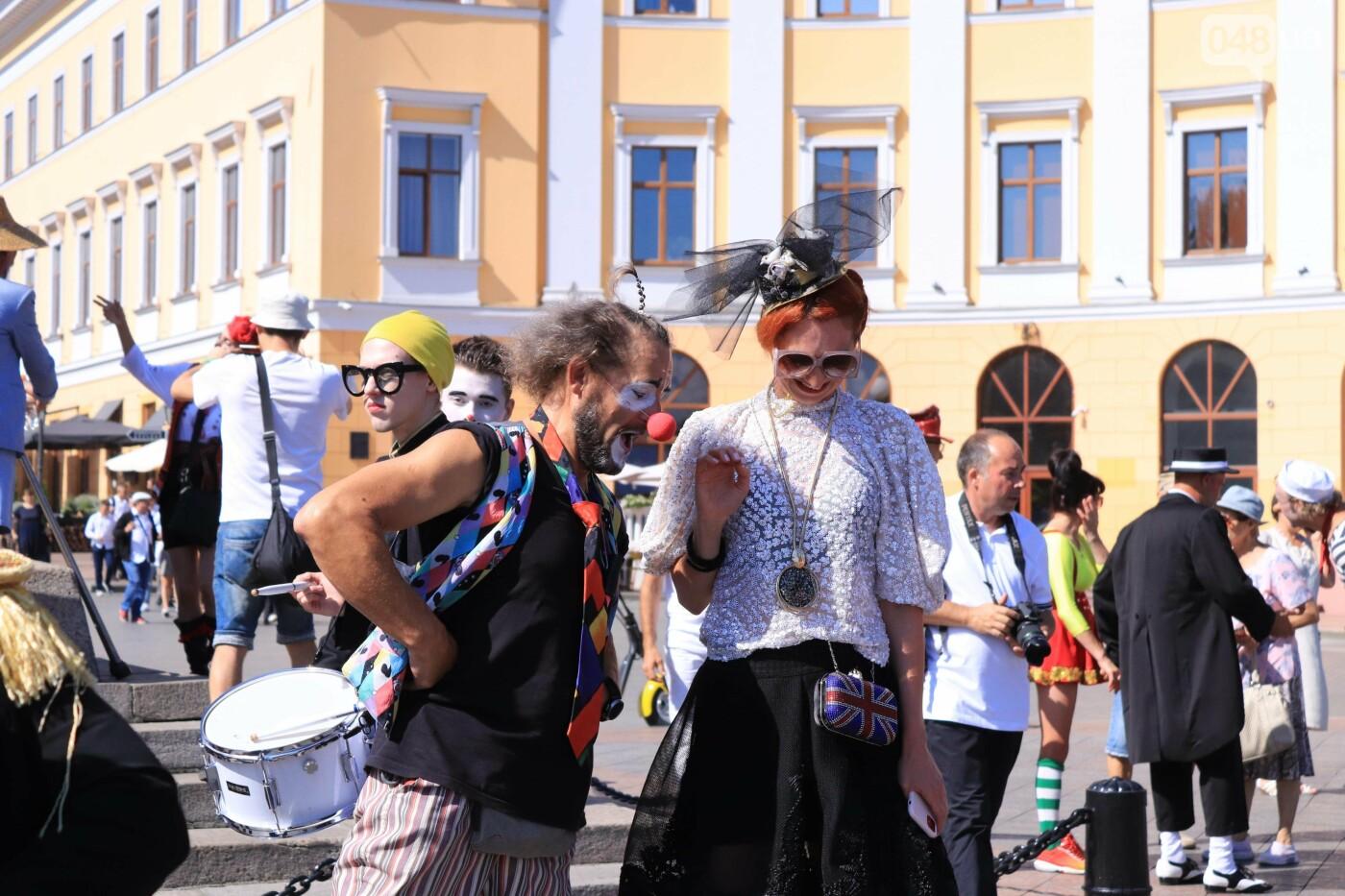 Парад клоунов в Одессе: яркая колонна шла от Дюка в Горсад, - ФОТО, ВИДЕО, СТРИМ, фото-5