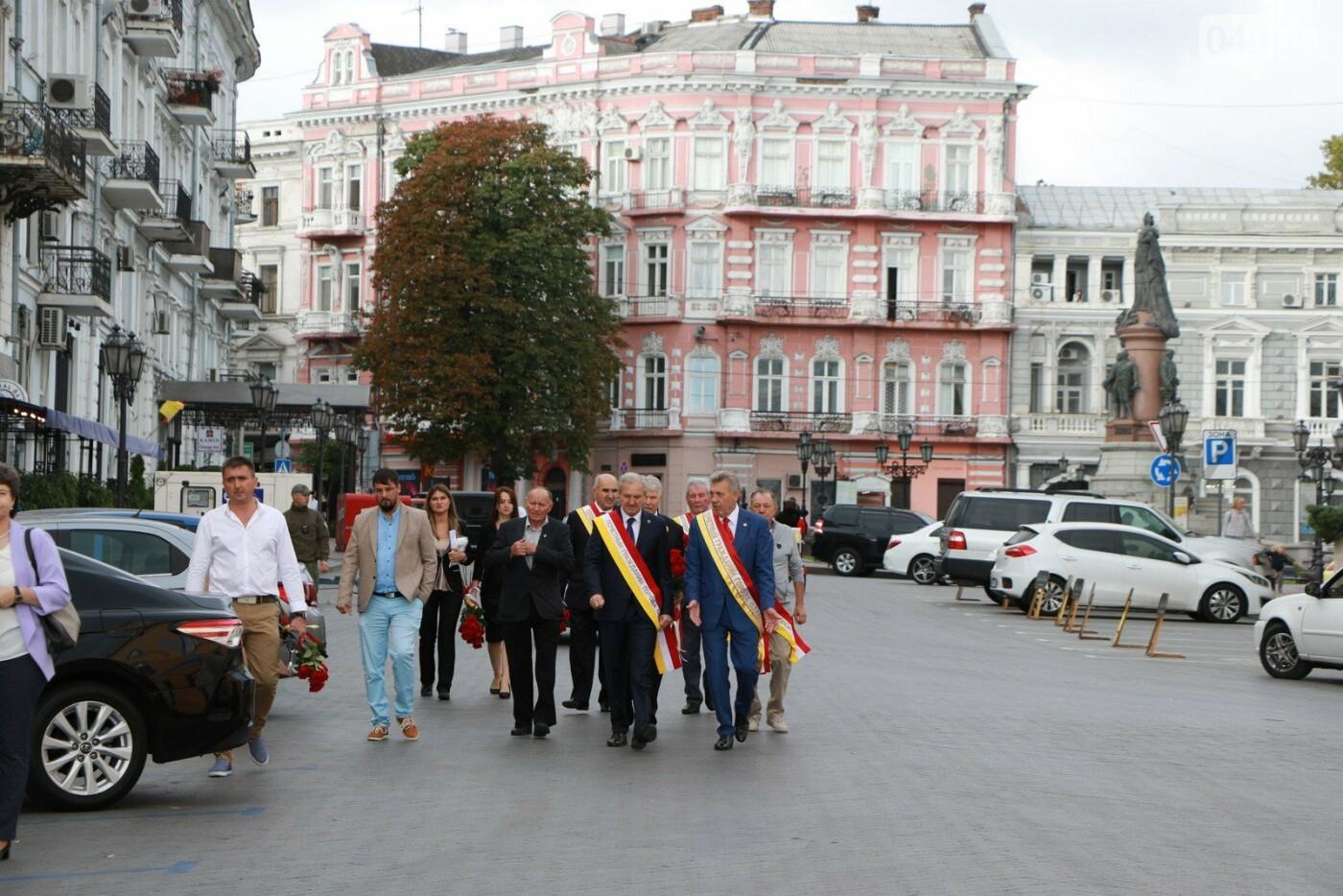 День Одессы 2021: почетные граждане возложили розы к памятнику Екатерине II,- ФОТО, фото-7