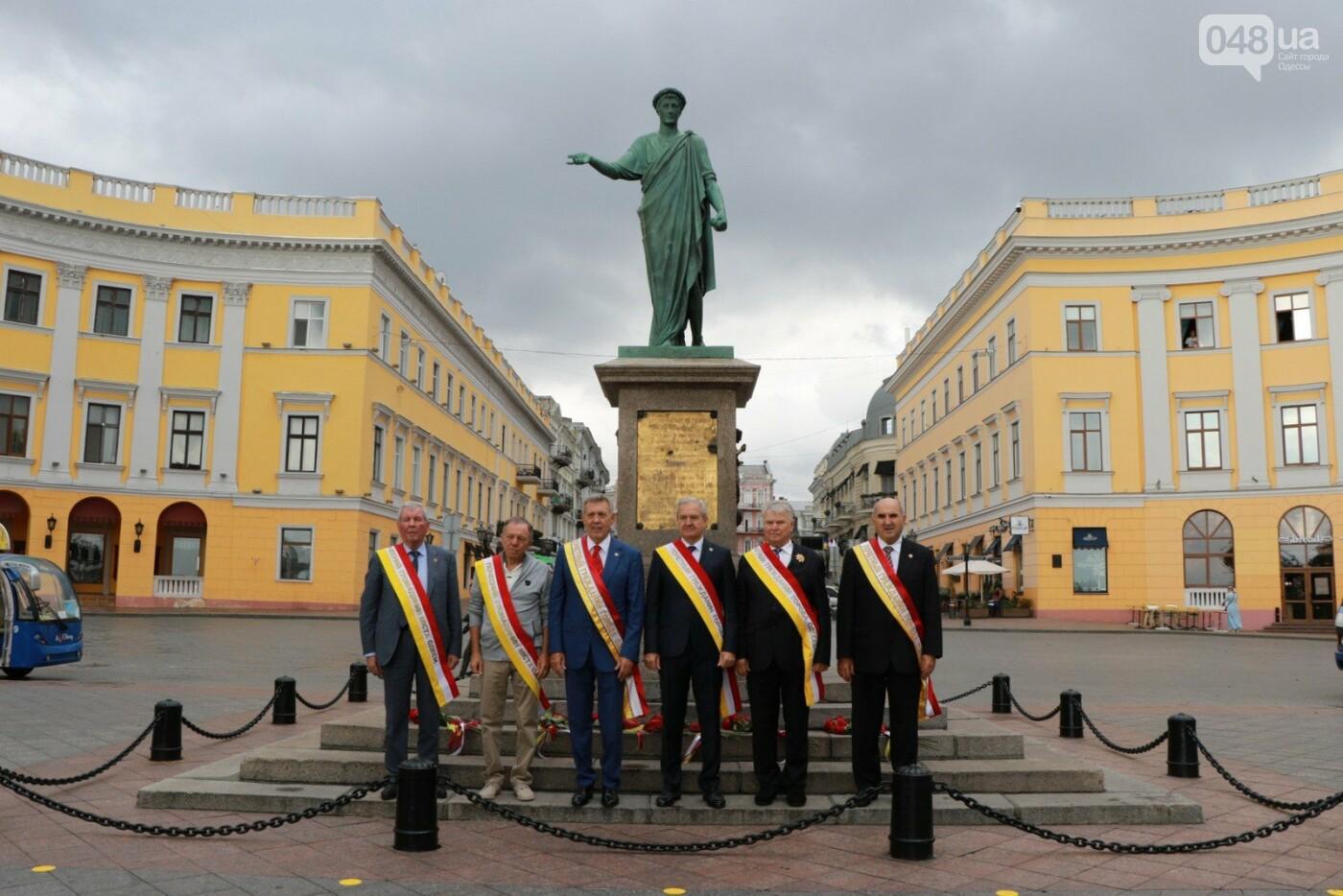 День Одессы 2021: почетные граждане возложили розы к памятнику Екатерине II,- ФОТО, фото-4