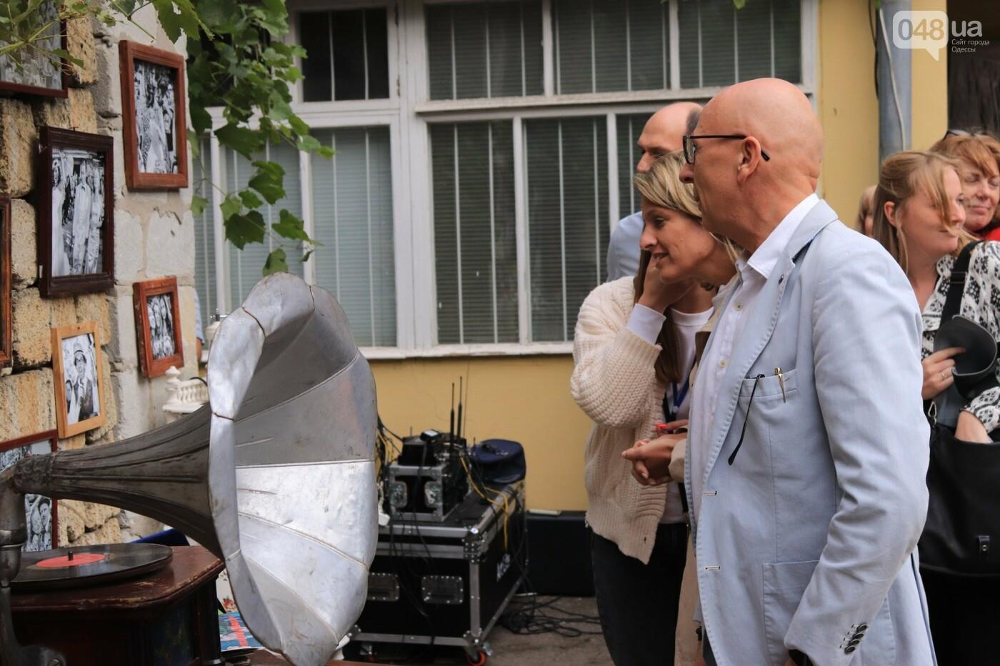 Одесситы гуляли день рождения Мамы в День города, - ФОТОРЕПОРТАЖ, ВИДЕО  , фото-33