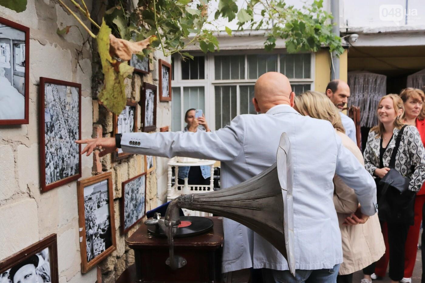 Одесситы гуляли день рождения Мамы в День города, - ФОТОРЕПОРТАЖ, ВИДЕО  , фото-35