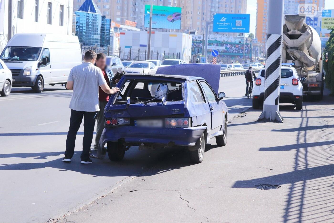 Могли взорваться: в Одессе КАМАЗ протаранил на светофоре легковушку с баллоном газа в багажнике, - ФОТО , фото-12