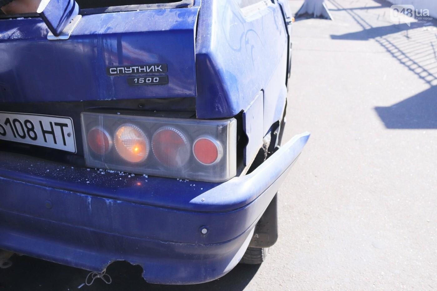 Могли взорваться: в Одессе КАМАЗ протаранил на светофоре легковушку с баллоном газа в багажнике, - ФОТО , фото-4