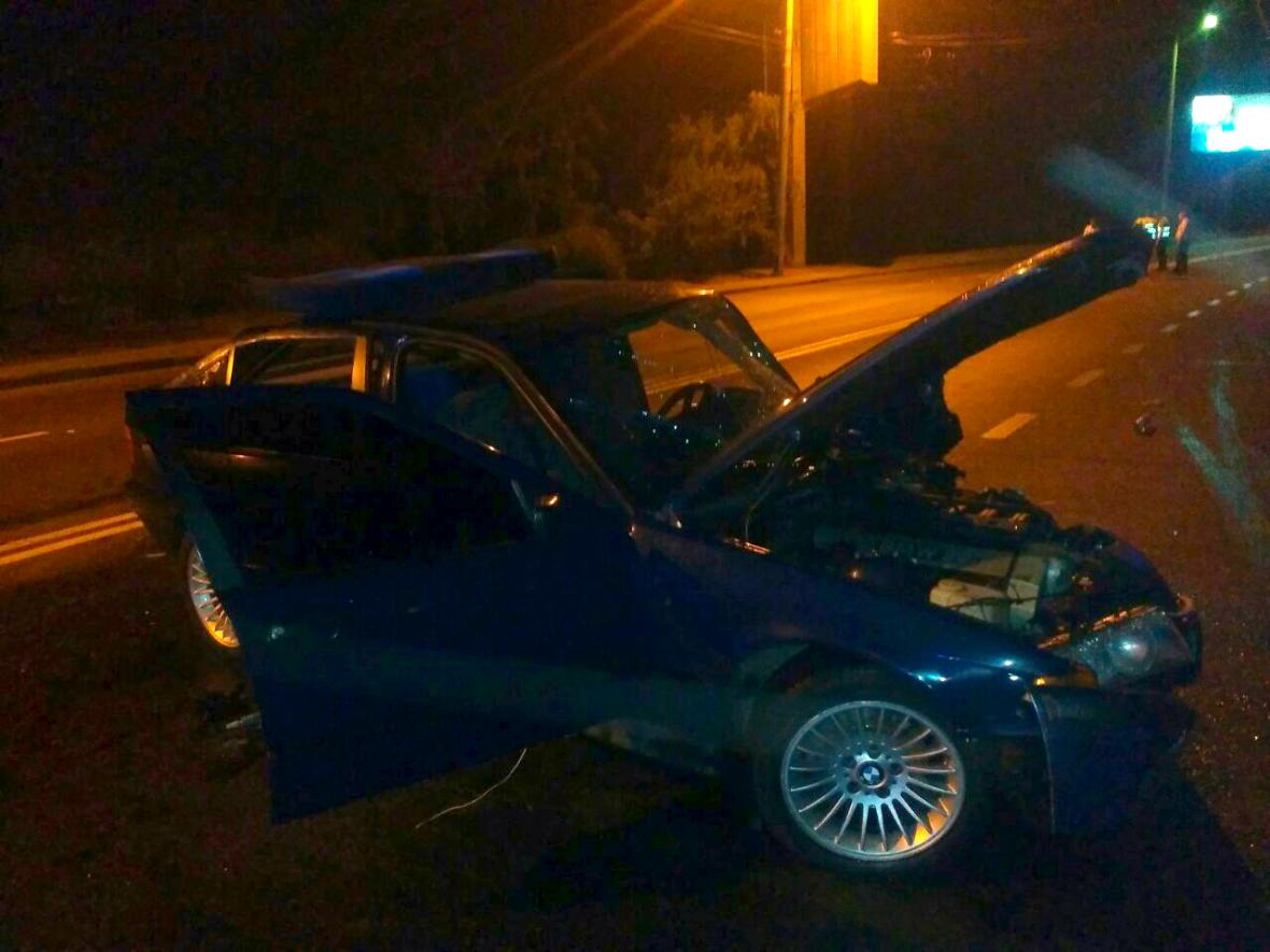 Одесские спасатели резали BMW, чтобы освободить водителя (ФОТО), фото-1