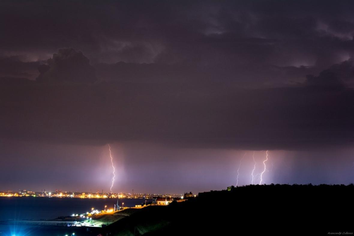 Впечатляет: как по Одессе молнии лупили (ФОТО), фото-11