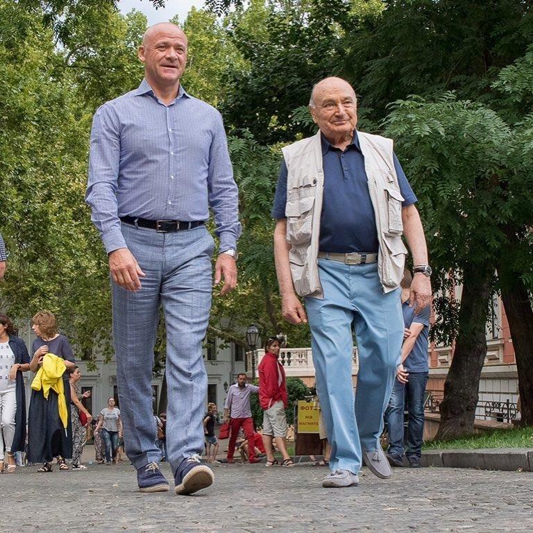Мэр Одессы веселил известного писателя-сатирика (ФОТОФАКТ), фото-1