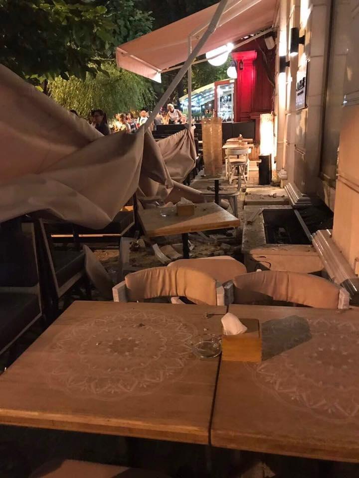 В центре Одессы на террасу ресторана рухнул фасад дома (ФОТО), фото-2