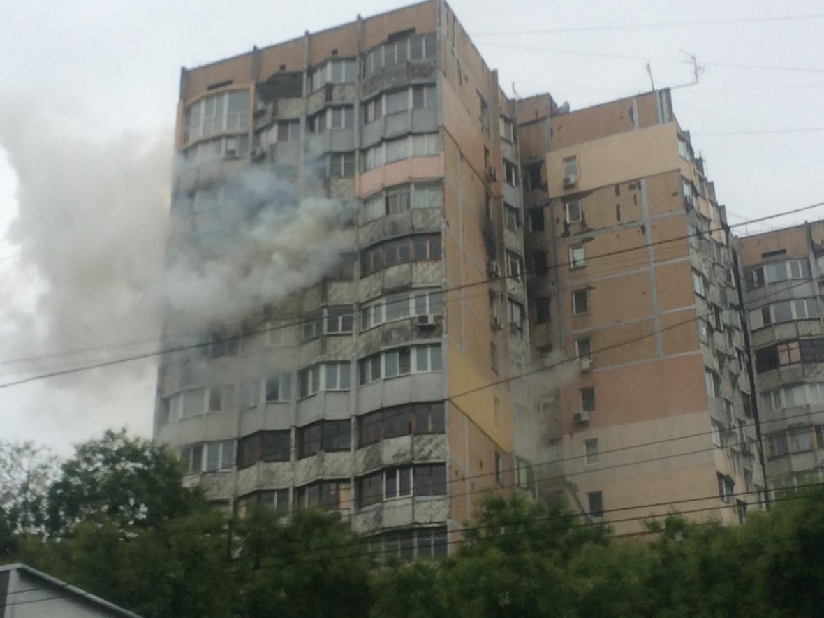Одесские спасатели вывели людей из огня в 4-комнатной квартире (ФОТО, ВИДЕО), фото-1