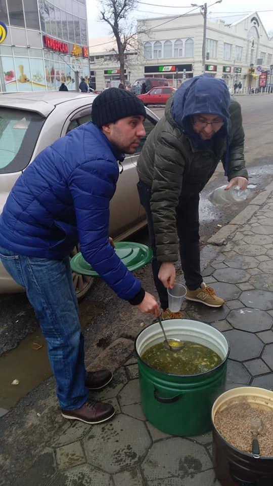На Новый год в Одессе бездомным тоже устроили праздник, - ФОТО, фото-3