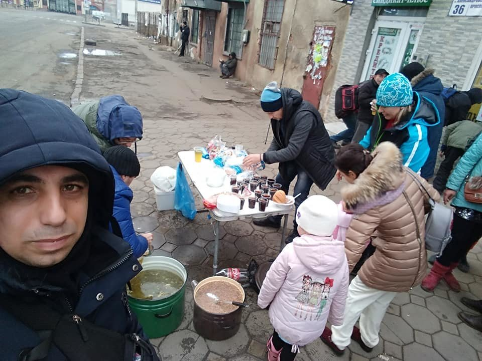 На Новый год в Одессе бездомным тоже устроили праздник, - ФОТО, фото-8