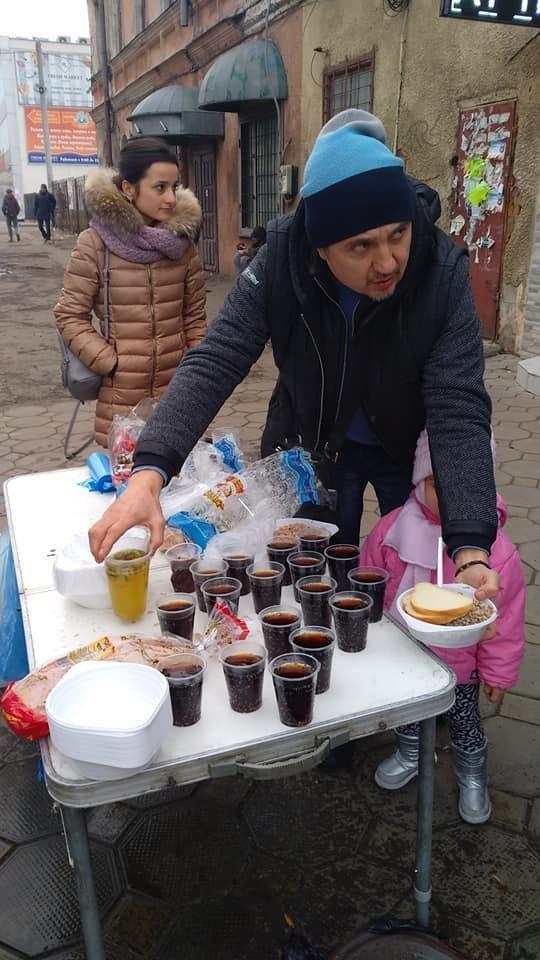 На Новый год в Одессе бездомным тоже устроили праздник, - ФОТО, фото-4
