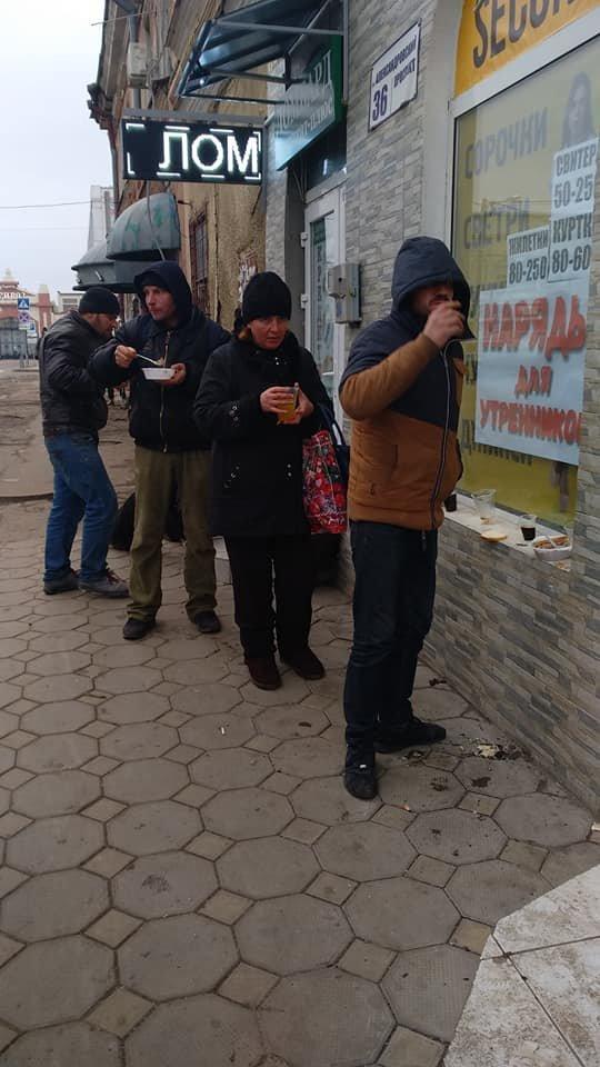 На Новый год в Одессе бездомным тоже устроили праздник, - ФОТО, фото-2