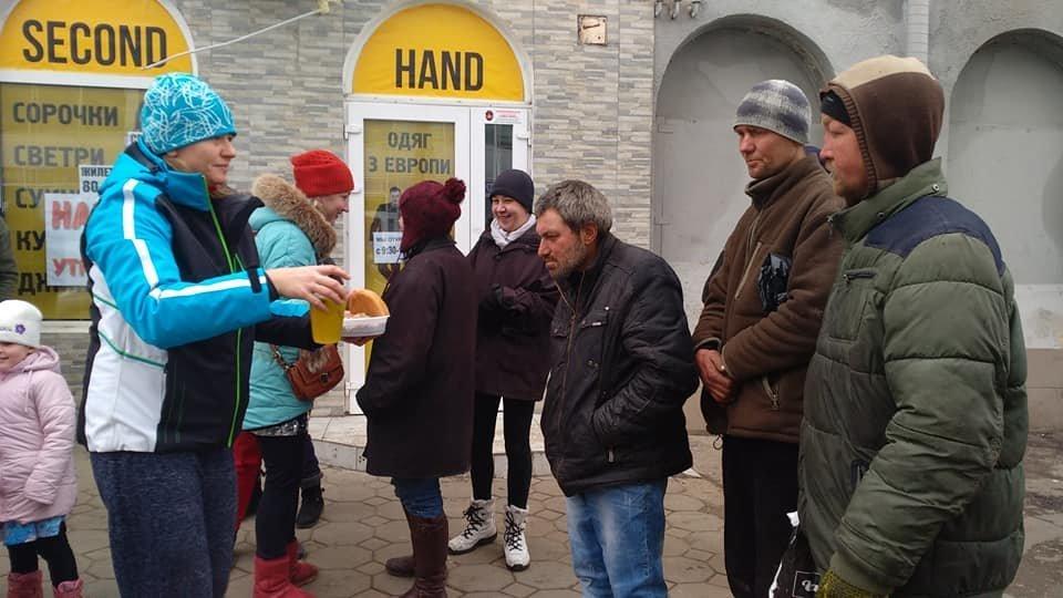 На Новый год в Одессе бездомным тоже устроили праздник, - ФОТО, фото-6