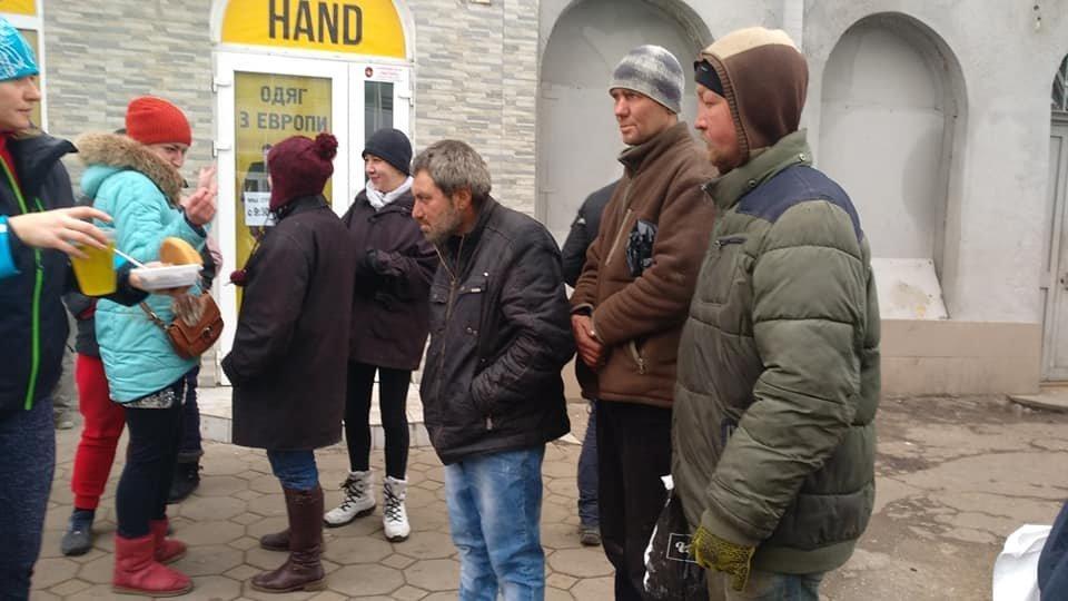 На Новый год в Одессе бездомным тоже устроили праздник, - ФОТО, фото-5