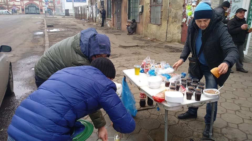 На Новый год в Одессе бездомным тоже устроили праздник, - ФОТО, фото-9