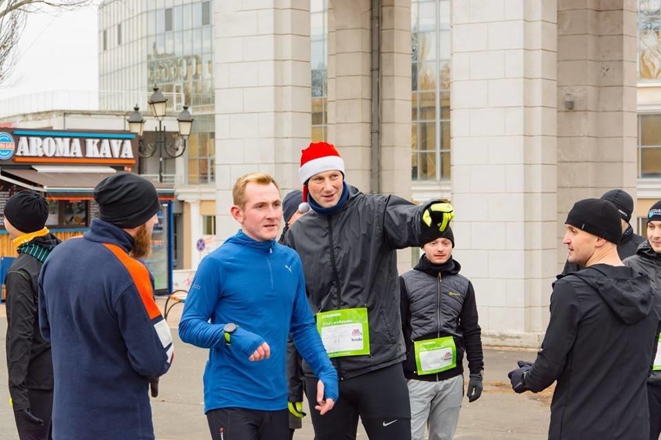 Забегом по похмелью: одесситы устроили новогодний забег на 2019 метров, - ФОТО, фото-2