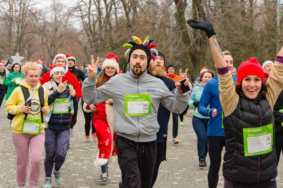 Забегом по похмелью: одесситы устроили новогодний забег на 2019 метров, - ФОТО, фото-5