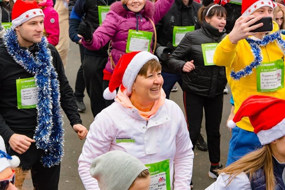 Забегом по похмелью: одесситы устроили новогодний забег на 2019 метров, - ФОТО, фото-9