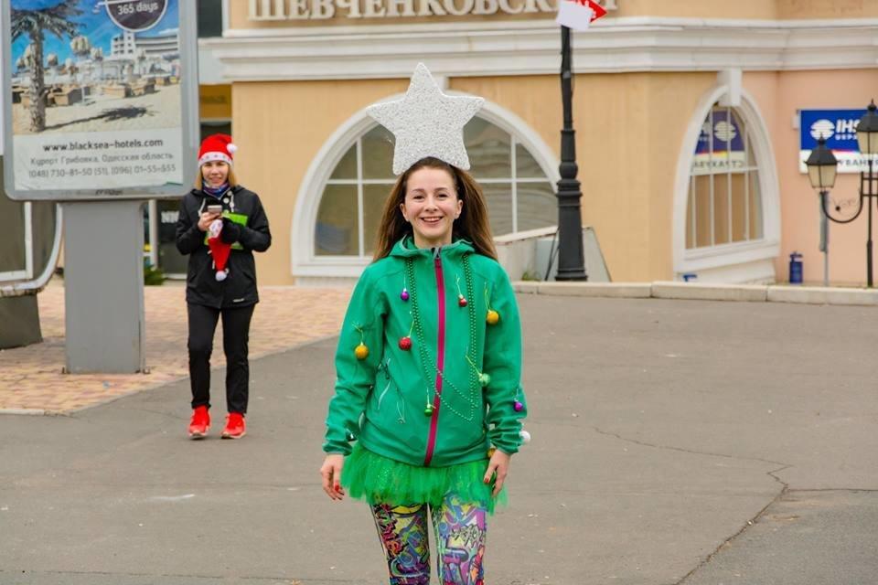Забегом по похмелью: одесситы устроили новогодний забег на 2019 метров, - ФОТО, фото-42