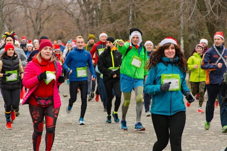 Забегом по похмелью: одесситы устроили новогодний забег на 2019 метров, - ФОТО, фото-13