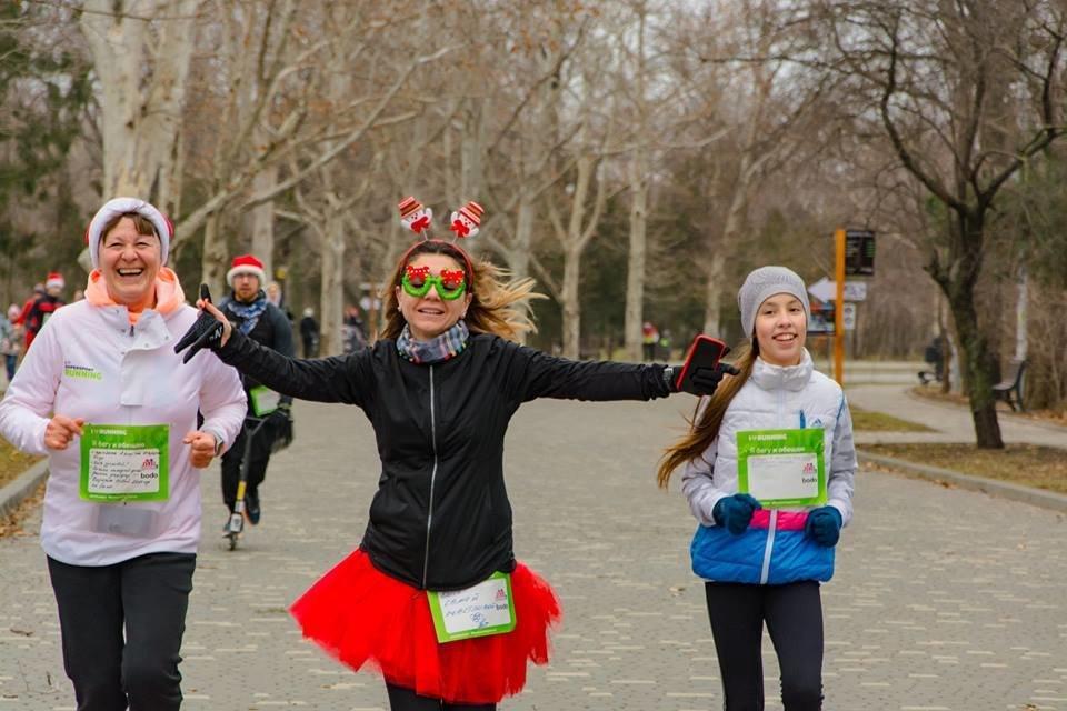 Забегом по похмелью: одесситы устроили новогодний забег на 2019 метров, - ФОТО, фото-20