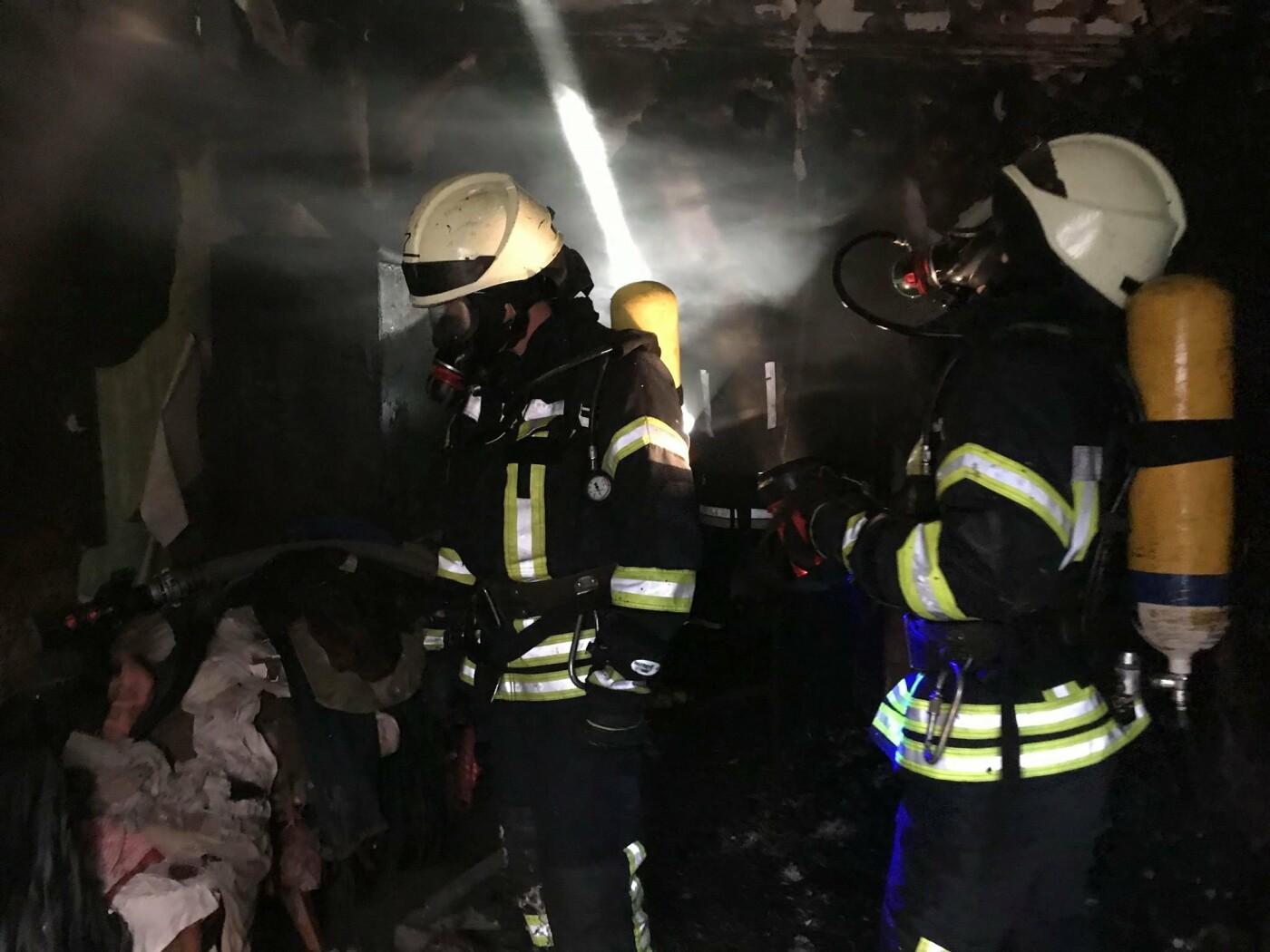 Пожар в центре Одессы: спасатели рассказали подробности инцидента, - ФОТО, фото-2