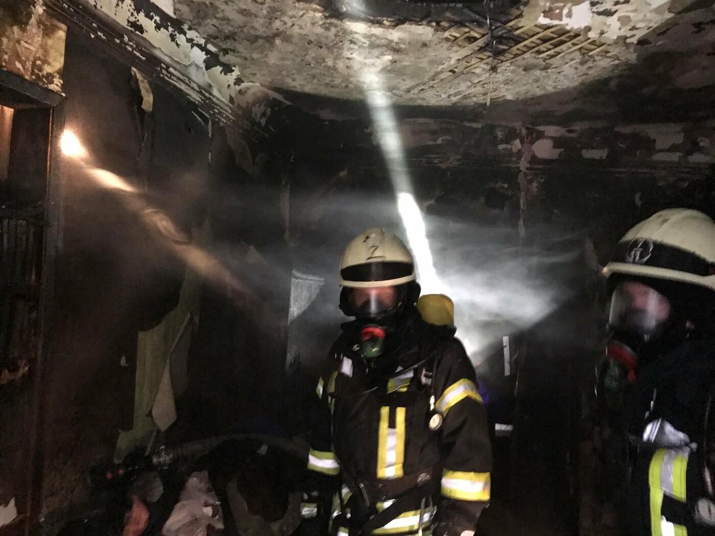 Пожар в центре Одессы: спасатели рассказали подробности инцидента, - ФОТО, фото-1