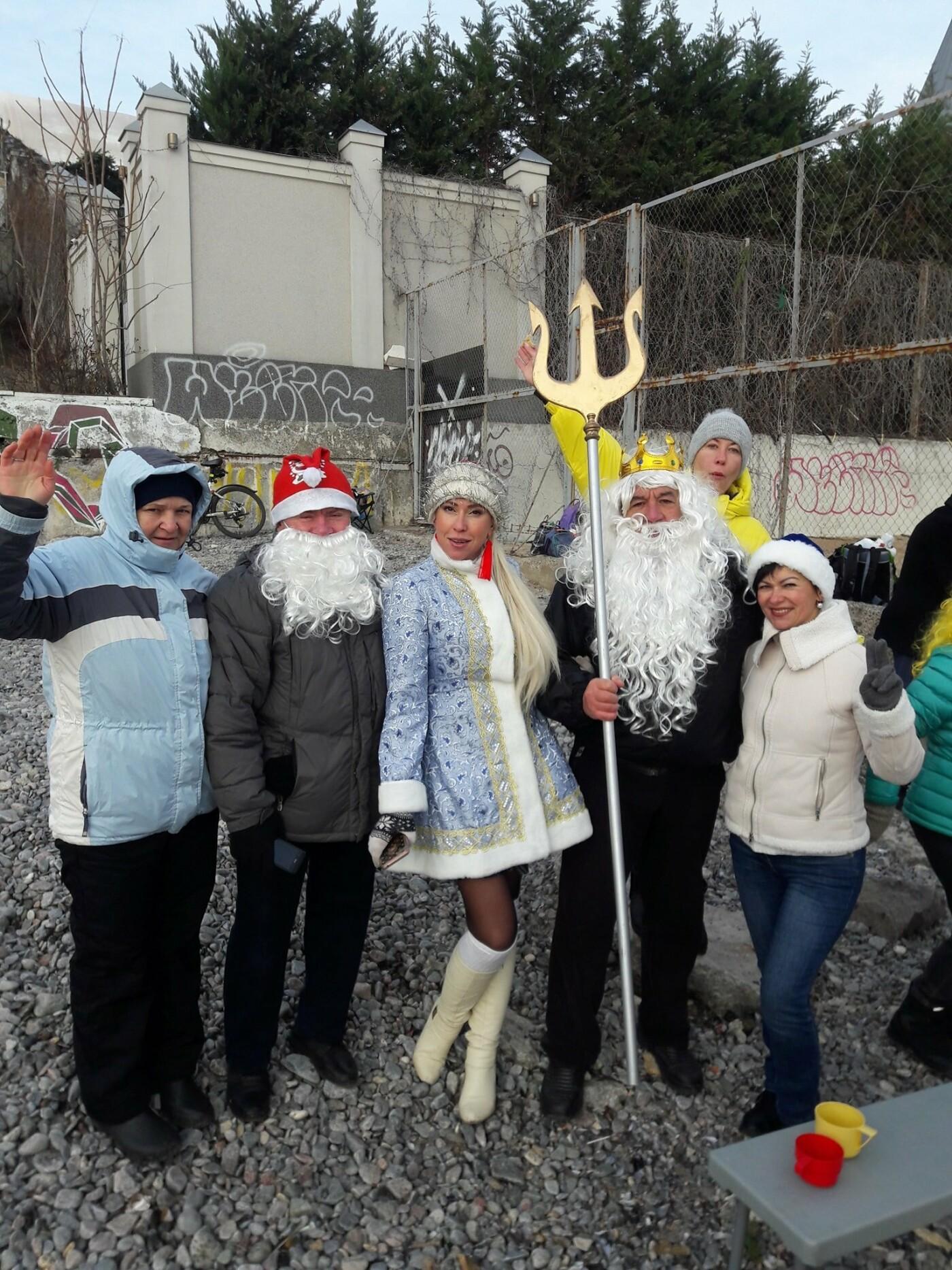 """""""Моржи"""" Одессы покорили море в новом году, - ФОТО, ВИДЕО, фото-7"""