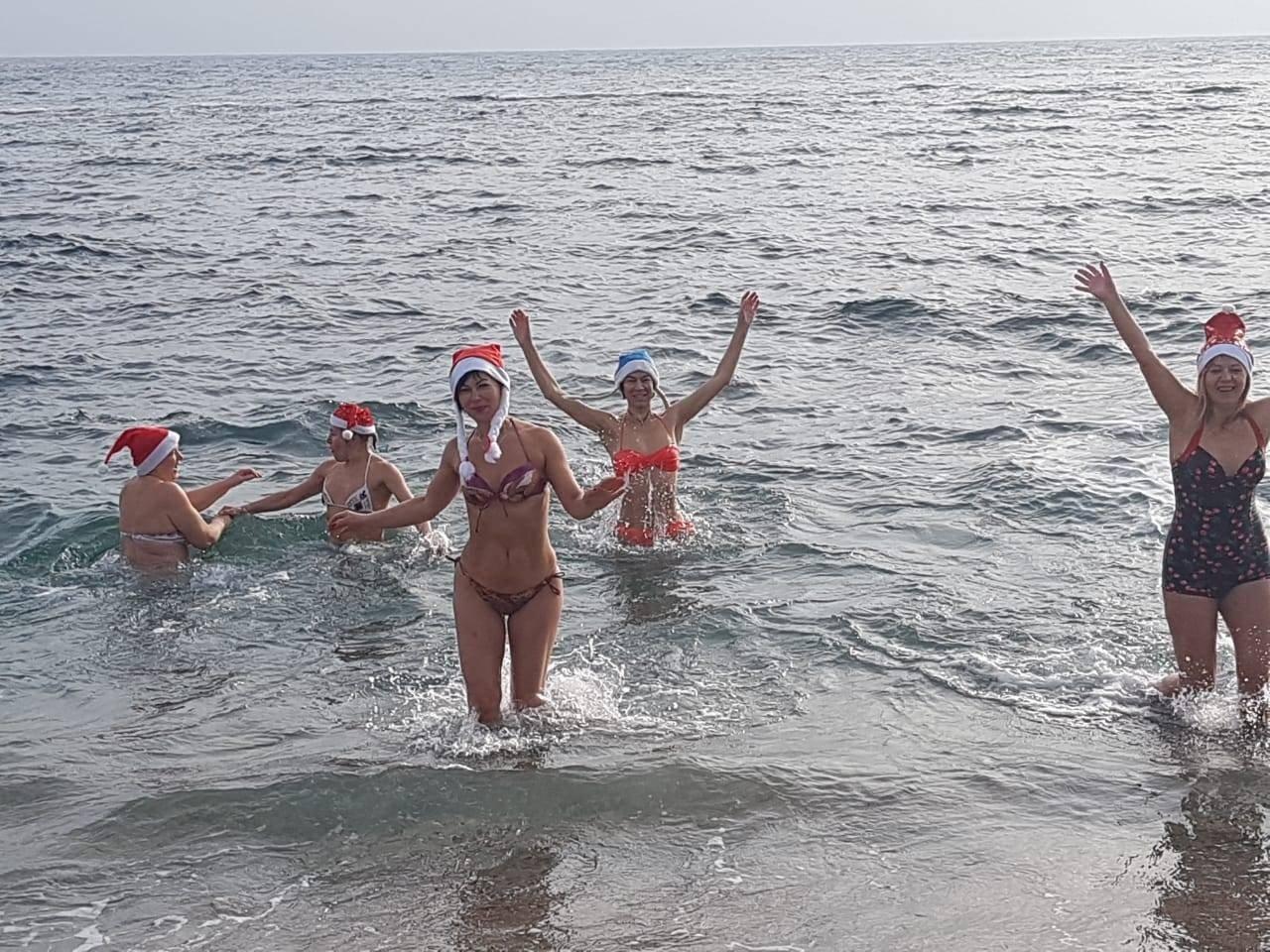 """""""Моржи"""" Одессы покорили море в новом году, - ФОТО, ВИДЕО, фото-3"""
