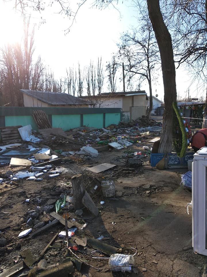 Возле Таировского кладбища в Одессе на месте рынка остались развалины, - ФОТО, фото-1
